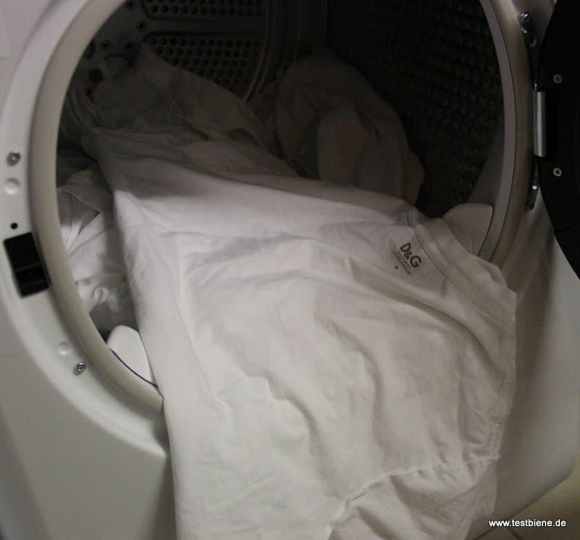 Kleidung ist fast knitterfrei und braucht kaum noch gebügelt werden
