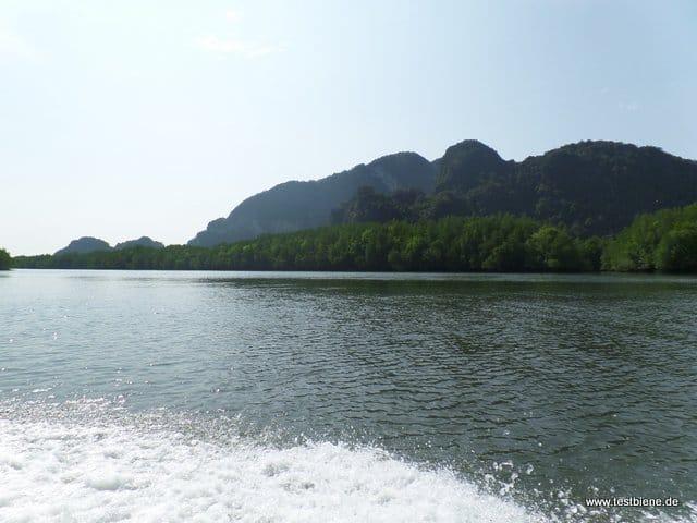 mit dem Speedboot unterwegs
