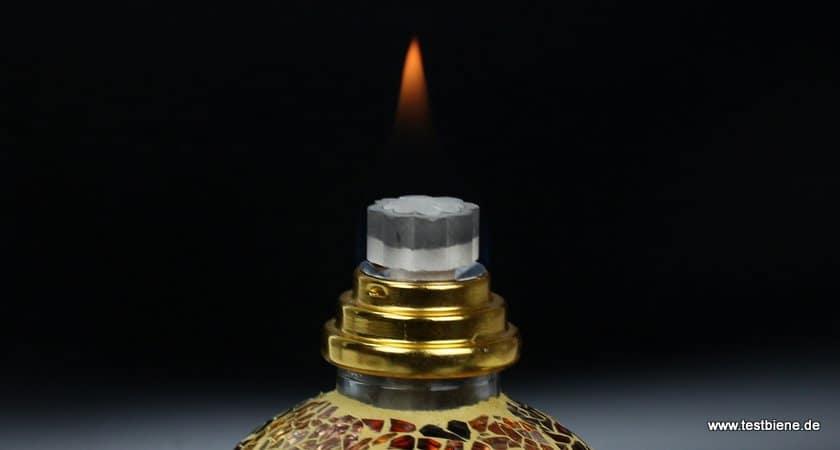 katalytischer Stein (hier noch mit Flamme)