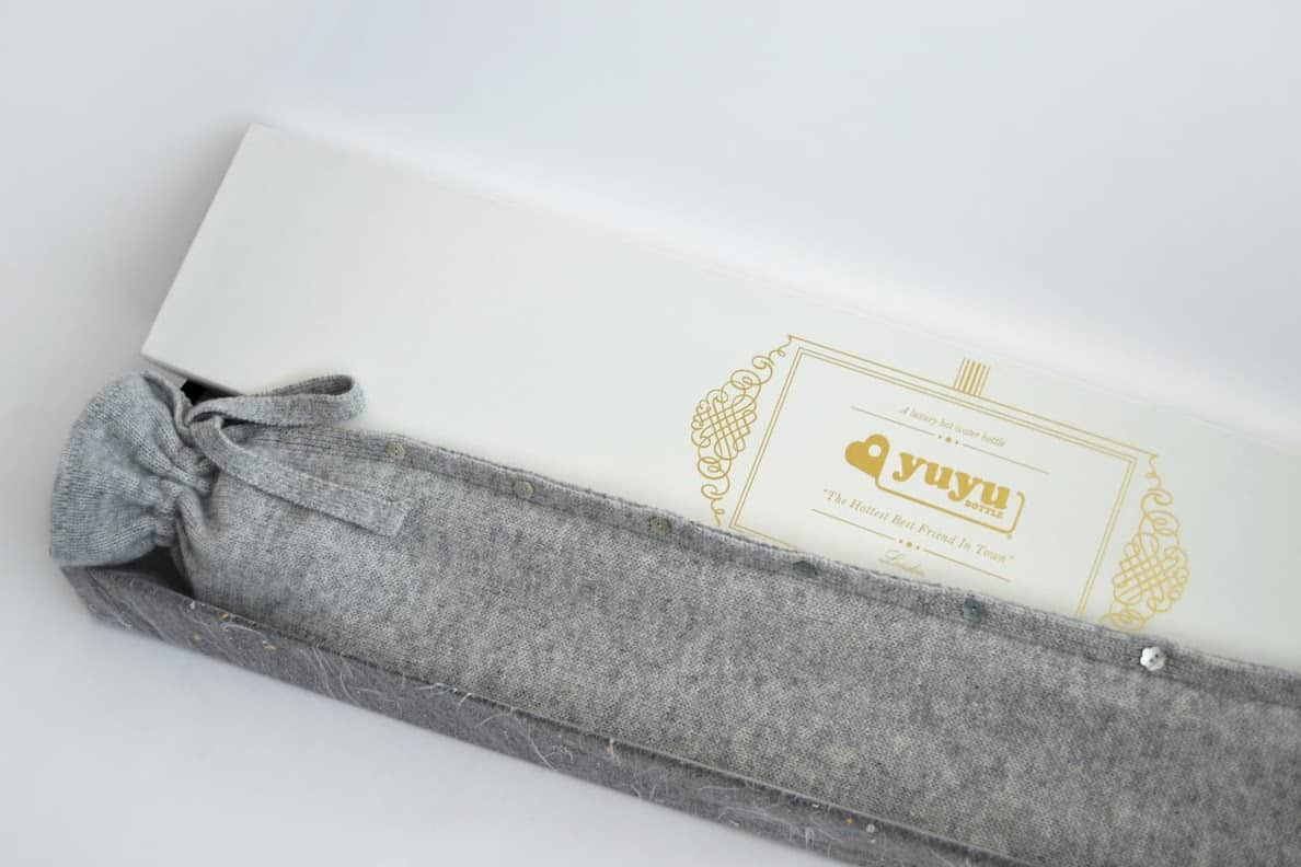 YUYU-Bottle-WoolCash70_Classic-Knit-Grey_In-Box-Half-01-Caleido-Concept